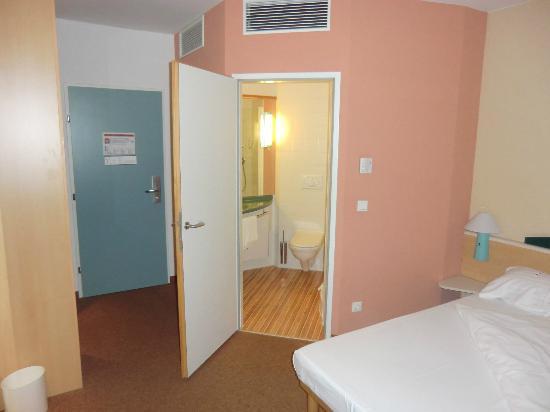 Ibis Innsbruck: Zimmer