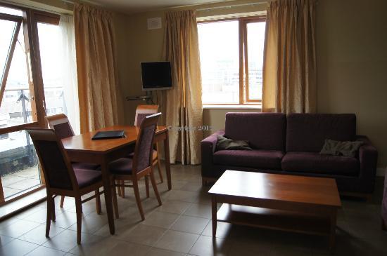 Staycity Aparthotels Saint Augustine St: Livingroom / Wohnzimmer