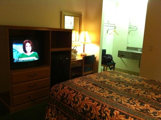 Americas Best Value Inn - Hollywood / Los Angeles: #205