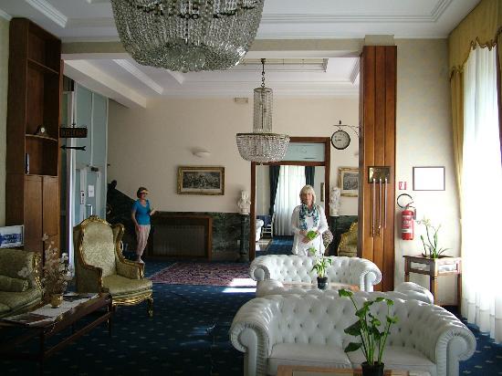 Hotel Alexander Palme: lobby