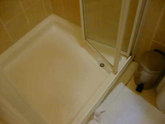 Crotty's Pub B & B: particolare della doccia