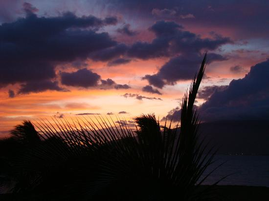 Kauhale Makai, Village by the Sea: sunset