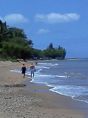Kauhale Makai, Village by the Sea: The beach in front of the complex