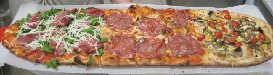 IL Covo Ristorante-Pizzeria: 1 Mt di pizza!!!