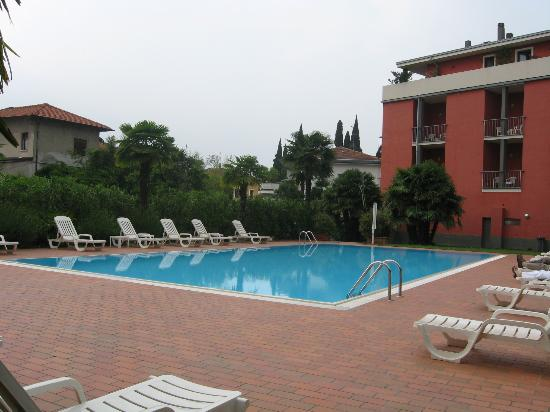 Hotel Villa Arianna: ecco la piscina