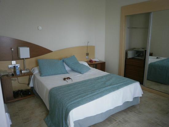 HOVIMA Costa Adeje: bedroom