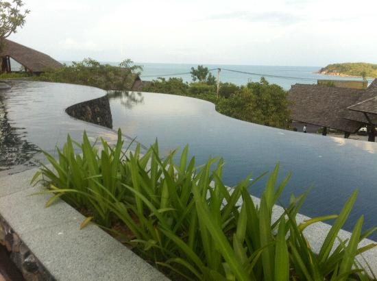 Nora Buri Resort & Spa: Hillside Pool