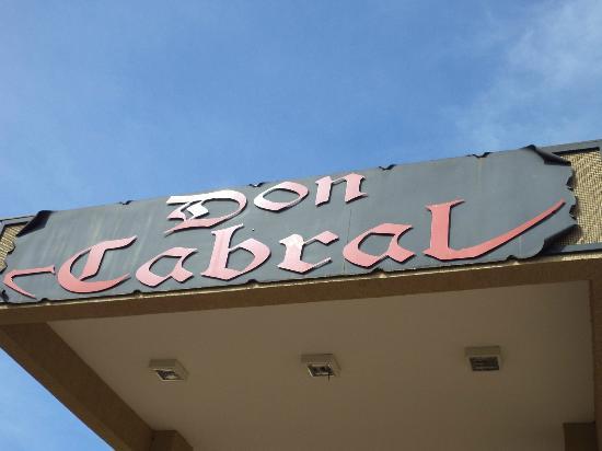 Don Cabral: letrero del restaurant