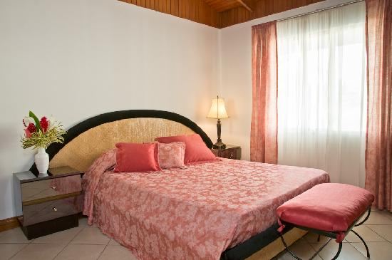 Casa Laurin B&B: Standard room with queen size bed