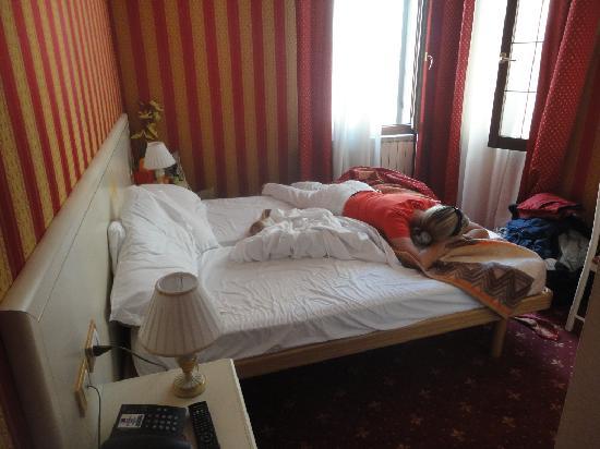 Hotel Messner: Red Room