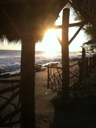 Buena Onda Beach Resort: Sunset