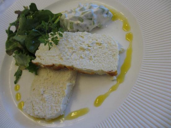 Auberge de Launay: The entree: Fish terrine with cottage cheese sauce