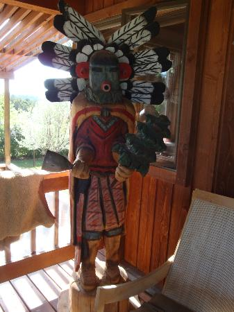 Sundance Bear Lodge: Welcoming Kachina