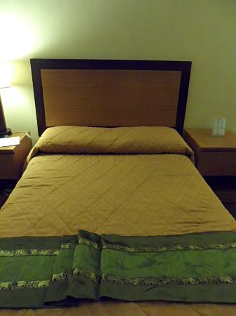 Holiday Park Hotel: Bed