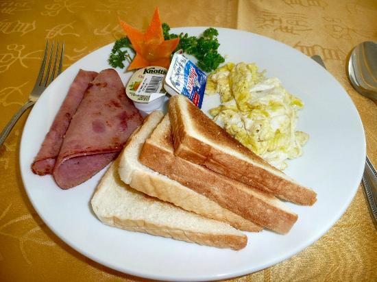 Subic Bay Venezia Hotel: 朝食・・・コレ,結構美味しかった