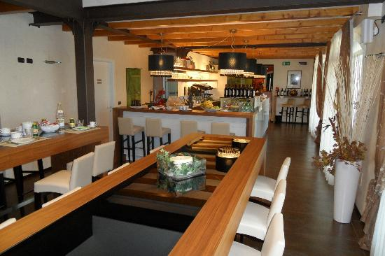 Podere Dell'Angelo: Bar und Frühstücksbereich