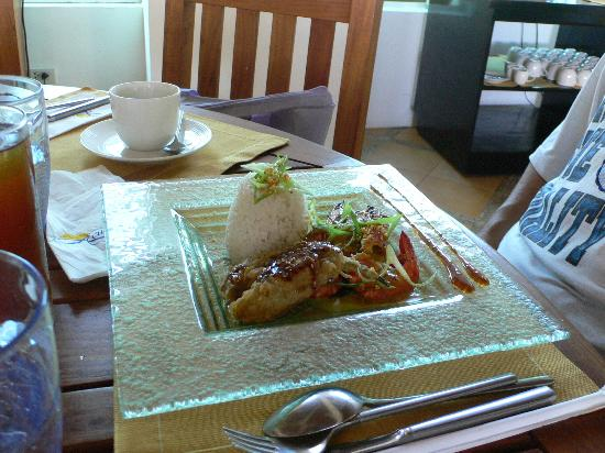 Acuatico Beach Resort & Hotel: Dinner!