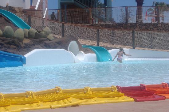 HL Paradise Island: waterpark kids splash pool and slides