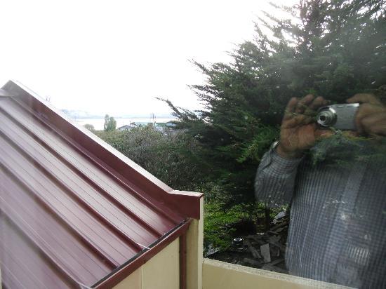 Hotel Martin Gusinde: Vista desde mi habitación donde se ve el amontonamiento de basura