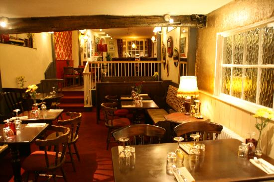 Kings Arms Hotel: The Bar & Restaurant