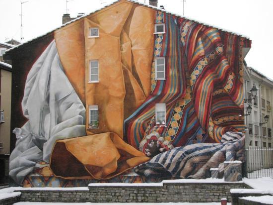 Vitoria-Gasteiz, Hiszpania: Impresionante Mural pintado por ciudadanos!