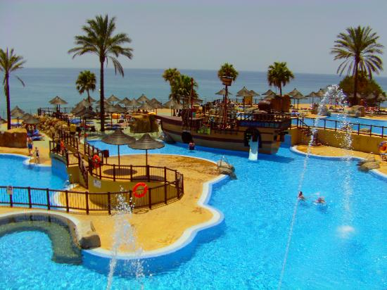 Holiday Village : amazing pool and pirate ship on beach side
