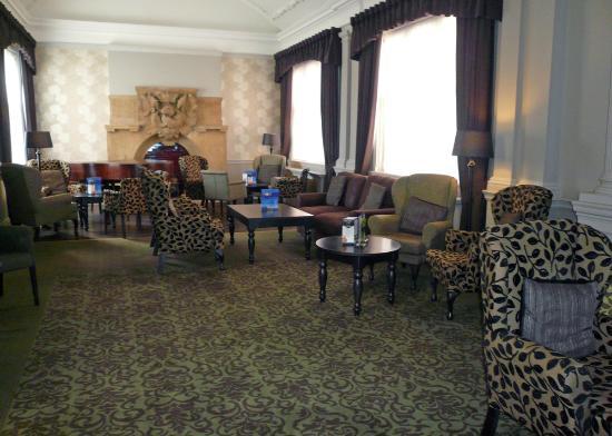 Bay Royal Weymouth Hotel: Royal Hotel lounge