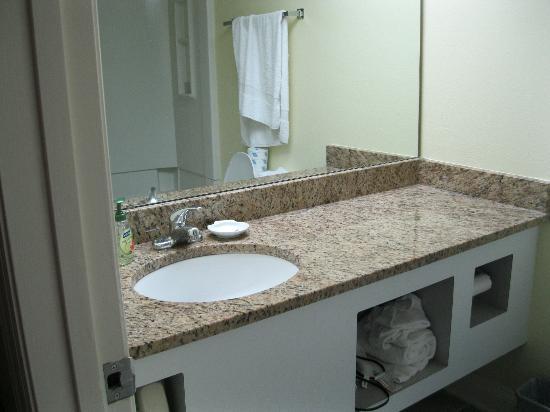 سي ميست: Bathroom