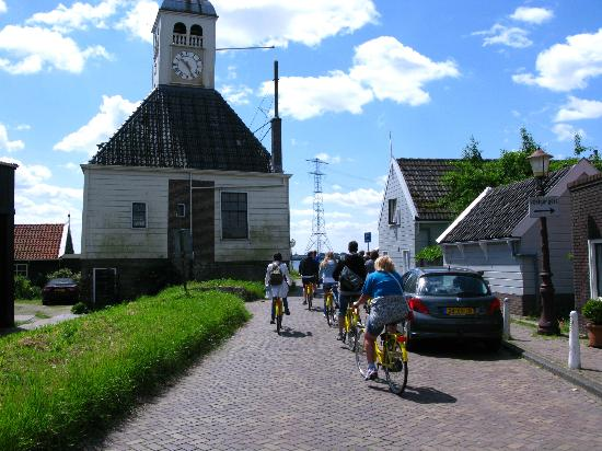 Yellow Bike Tours & Rental : In the countryside
