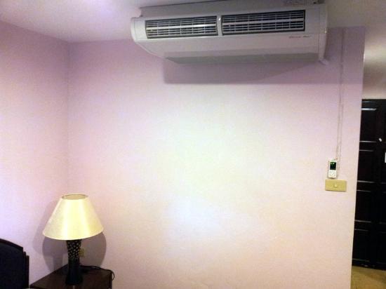 Cha-Ba Chalet Hotel: Air Condition