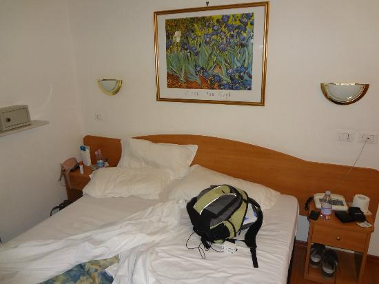 Tirreno Hotel: Cama