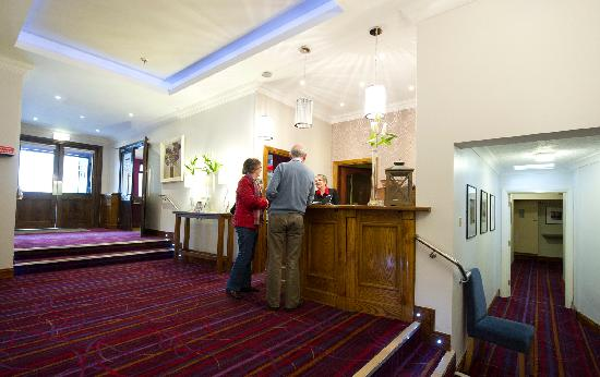 The Valley Hotel: Newly Refurbished Lobby Area