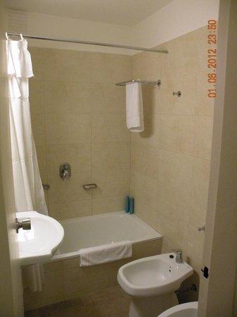 Baño Habitación Austral Express