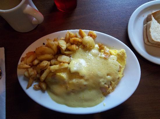Chez Vachon: Chicken cordon bleu omelet with hollandaise