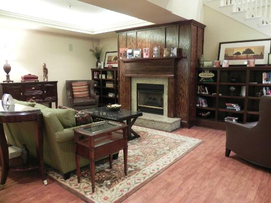 Country Inn & Suites By Carlson, Atlanta Airport North : Lobby