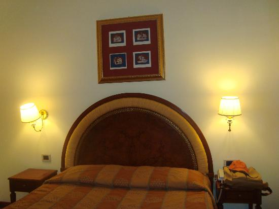 Homs Hotel: bedroom 1 in jr suite