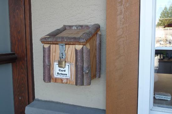 Swiss Chalet Motel: Return Key's Box