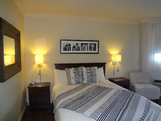 Hotel Kennedy: Chambre Elvis Presley, supérieure lit Quenn divan lit