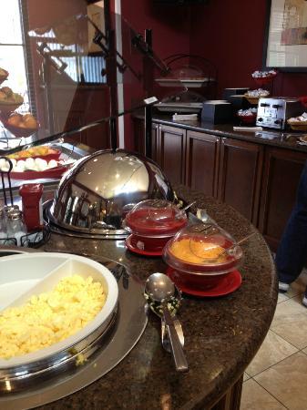 ستاي بريدج سويتس سياتل نورث - ايفيرت: One-third of the breakfast spread