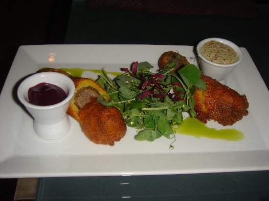 Sage Inn & Lounge: Food from the lounge: Wild boar and duck corn dogs