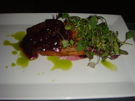 Sage Inn & Lounge: Food from the lounge: Pork belly