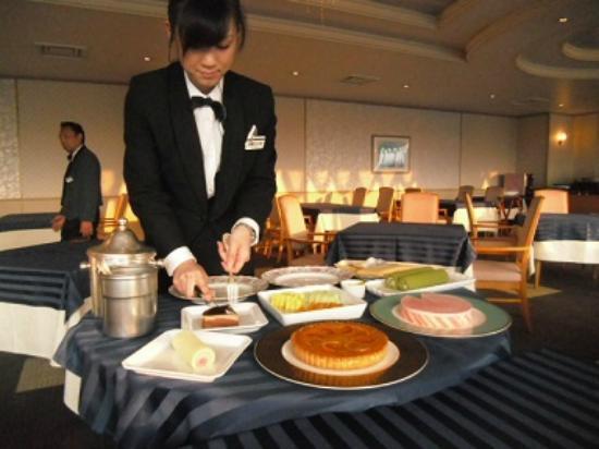 โรงแรมชินชู มัตซุชิโร่ รอยัล: デザートは食べ放題