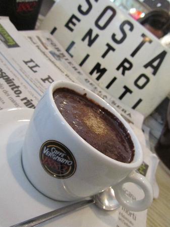 Chocolat: L'angolino dei giornali