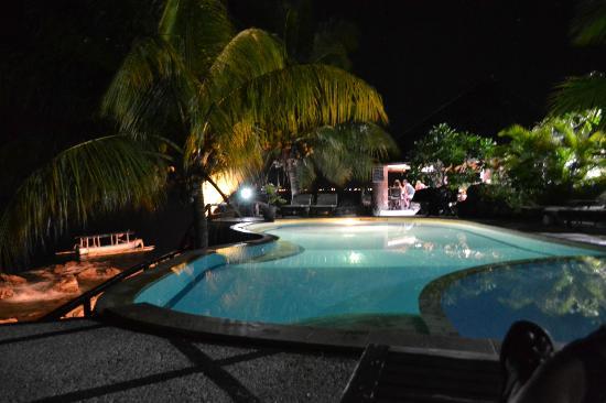 Batu Belah: Pool at night