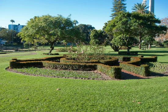 Queens gardens perth top tips before you go with for Garden design queens park