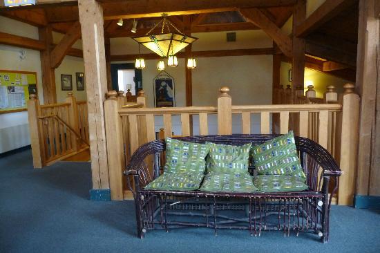HI Lake Louise Alpine Centre : Lounge on Upper Floor