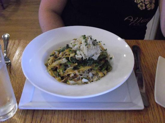 The Standard Restaurant: Fettuccini with crab