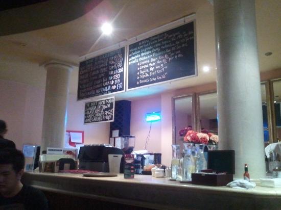 Bella Restaurant: Bella's Bar