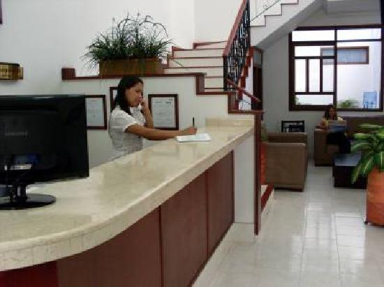 Hotel San Julian: Recepcion