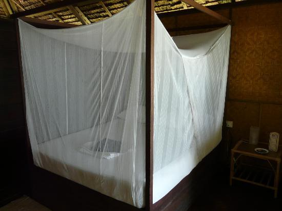 Rimba Resort: Beds have mosquito netting